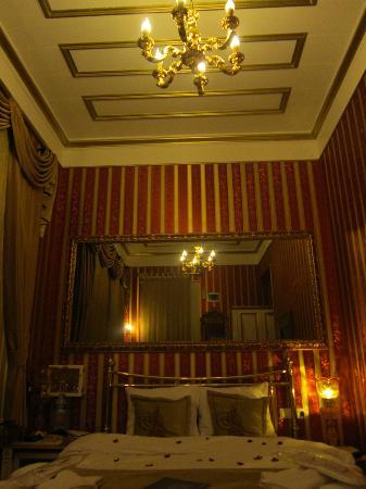Sultan Tughra Hotel: camera
