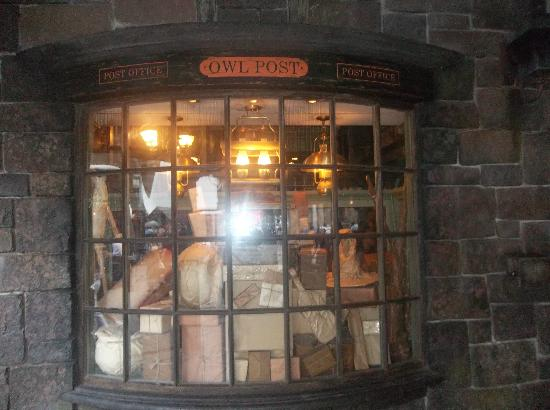 The Wizarding World Of Harry Potter: Post Office (owl Post)