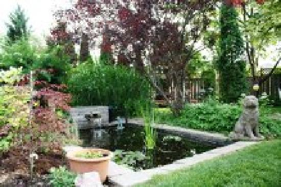 Britaly Bed and Breakfast: Britaly Gardens