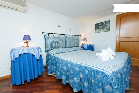 Accomodation Bed in Rome: camera matrimoniale