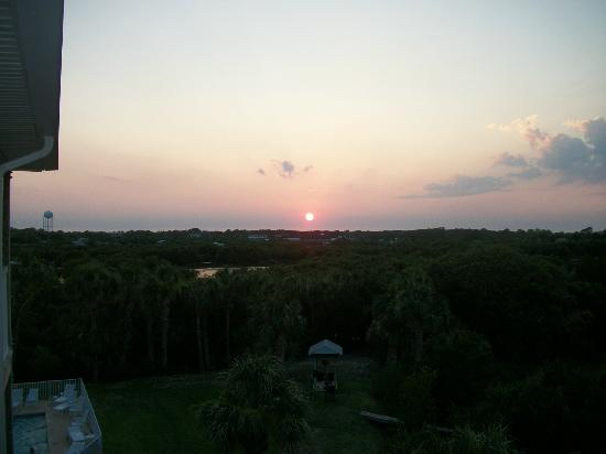 Natures Landing Condominium: Sunset over Cedar Key