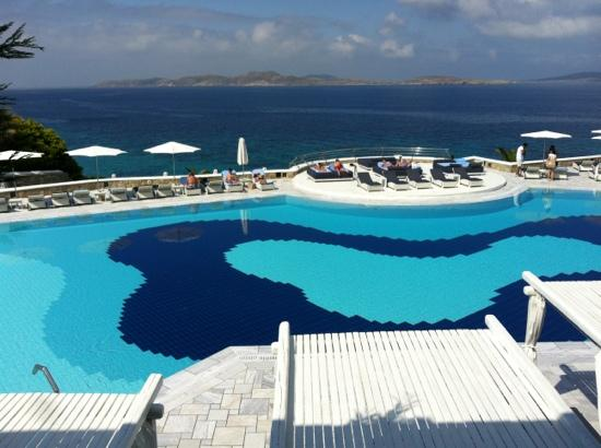 Mykonos Grand Hotel & Resort: nice swimming pool