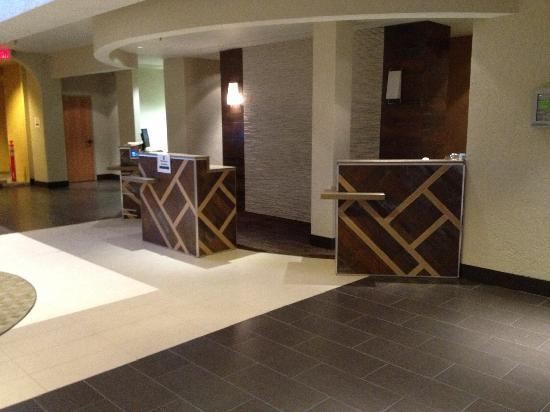 Embassy Suites by Hilton Hotel Phoenix - Tempe: Our new check-in pods