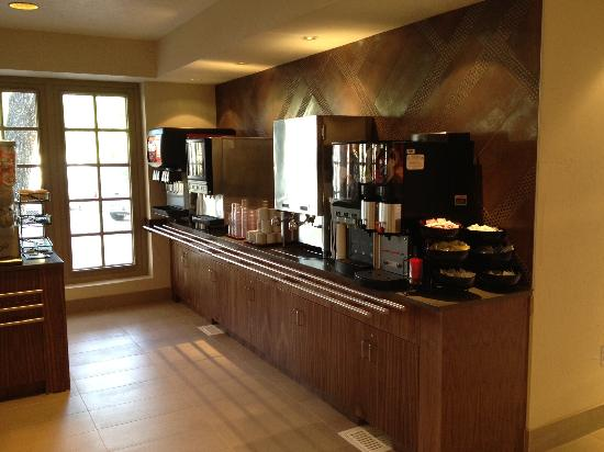 Embassy Suites by Hilton Hotel Phoenix - Tempe: Our Breakfast Area