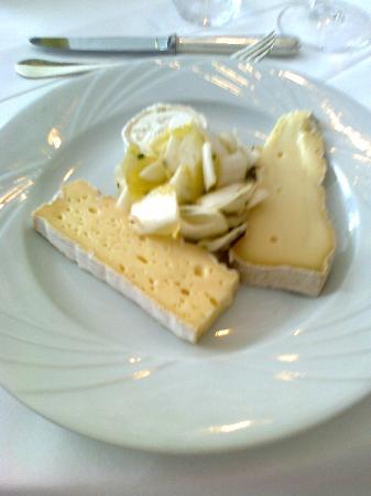 Le Mesnil: tris di formaggi