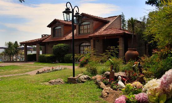 Cabanas La Aldea