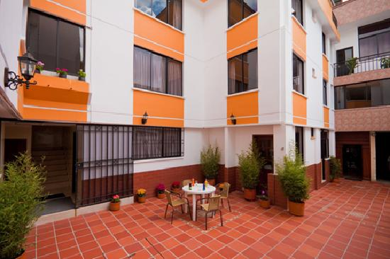 Hotel Mediterraneo Quito: getlstd_property_photo