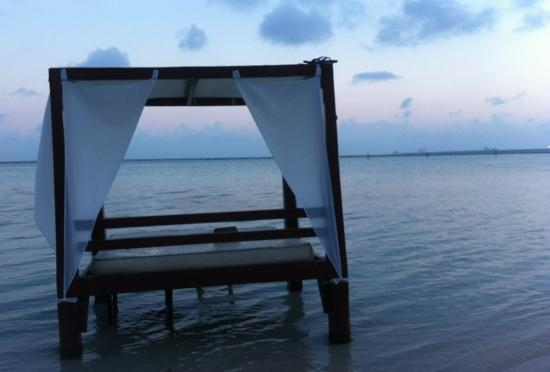 Be Live Experience Hamaca Suites: beach area