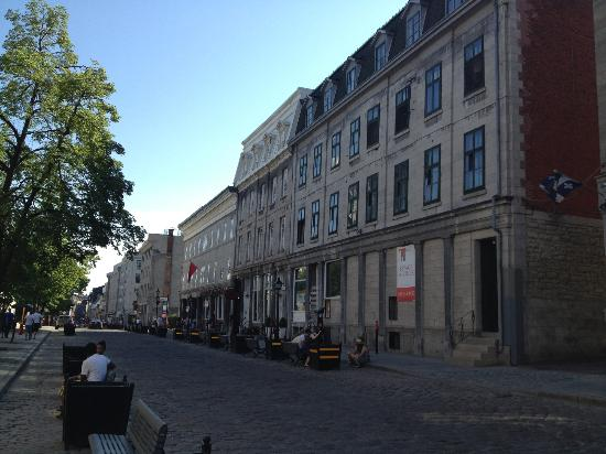 Old Montreal: small side street