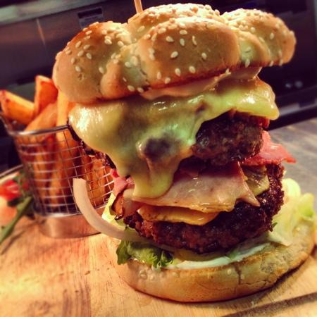 Mangetout: double hawaain burger
