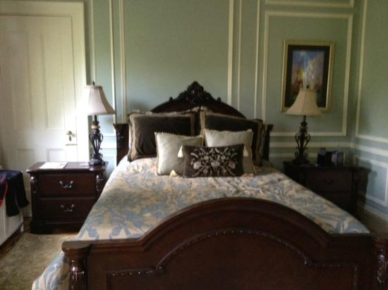 Chrystie House Bed and Breakfast: William Few Room