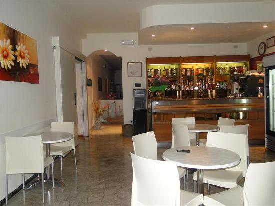 Hotel Atenea : bar