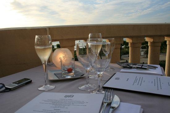 Opale: Champagne bu, choix du menu !