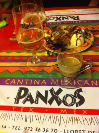 Panxos : swet sweet burrito, modelo & Carajillo