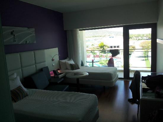 Aquashow Park Hotel : Chambre twin