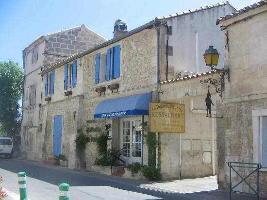 Le Restaurant dans Fontvieille