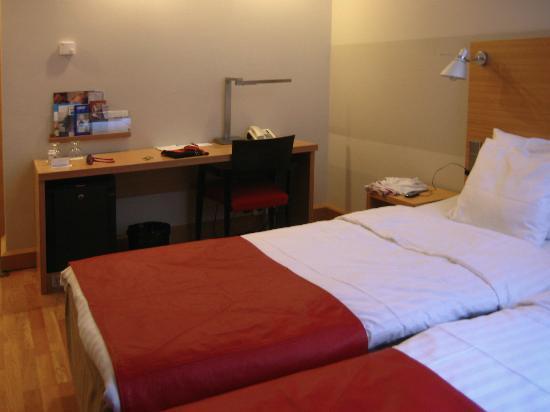 Original Sokos Hotel Helsinki: Otra vista del cuarto