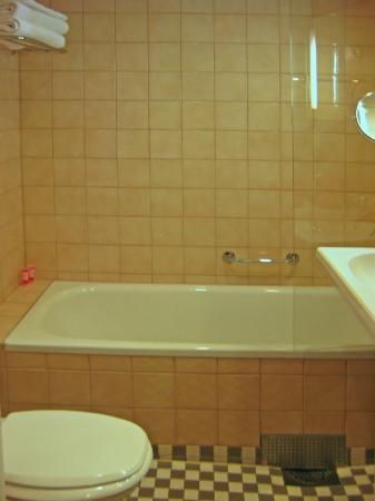 Original Sokos Hotel Helsinki: Baño