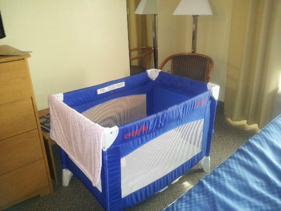 Comfort Suites: Pack N Play