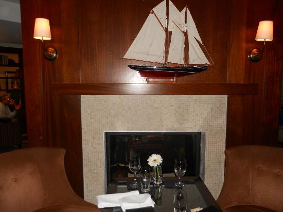 Portland Harbor Hotel: Eve's Happy Hour