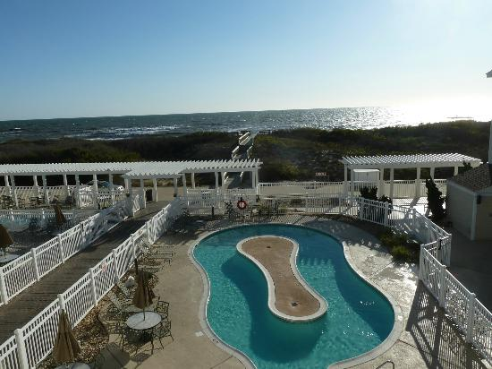 Hampton Inn & Suites Outer Banks / Corolla: The lazy river pool. The regular pool and kiddie pool are to the left.