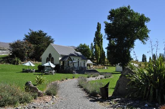 Waitiri Creek Wines Ltd: The tasting room at Waitiri Creek