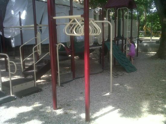 Hotel Jirahara: parque infantil
