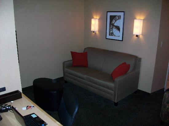 Cambria hotel & suites Columbus - Polaris: Separate Area