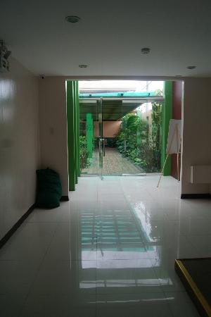 Holiday Spa Hotel: exit to the pool area