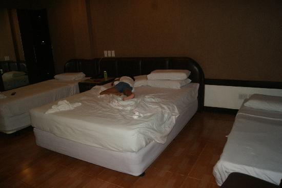 Holiday Spa Hotel: big room no window