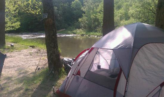 Sugar Creek Glen Campground : Site along the creek
