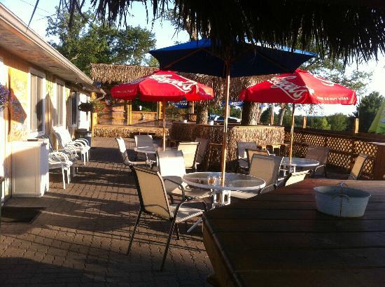 Caddy Shack Bar & Grill : The western-facing deck/Tiki Bar is wonderful on a Summer evening