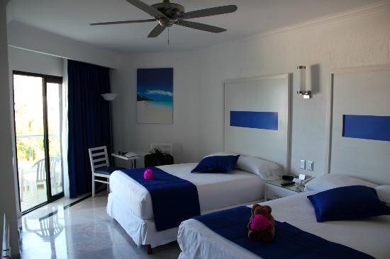 Hotel Riu Caribe: Habitación