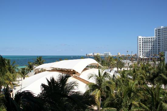 Hotel Riu Caribe: Vista de la habitación