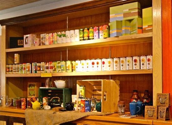 Front Porch Cafe: vast tea selection