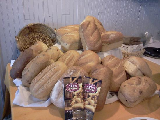 The Kitchen @ 83 Queen: Daily Fresh Baked Breads