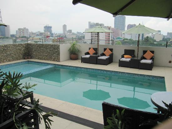 The Cocoon Boutique Hotel: Rooftop pool
