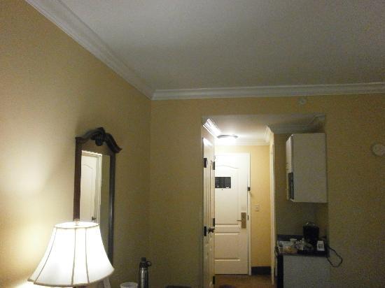Comfort Suites: View of Room from Window