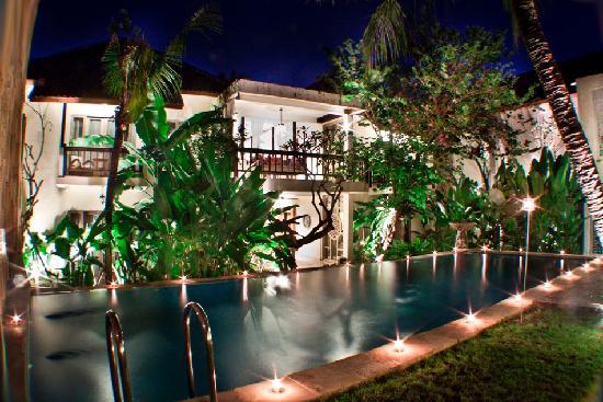 Abian Biu Mansion: Swimming Pool