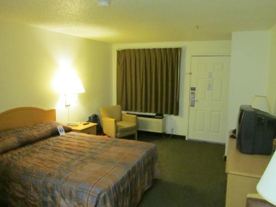 Studio 6 Ocean Springs: Room