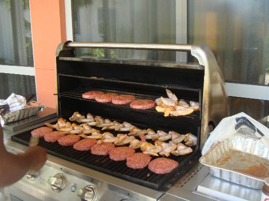 Residence Inn Miami Airport: Outdoor Grill