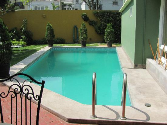 Basadre Suites Boutique Hotel: Garden Pool
