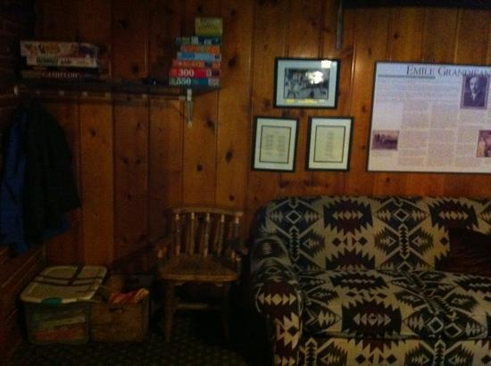 Sawtooth Lodge : Games & movie library for kids