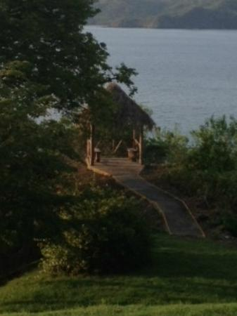 Paradise Flamingo Beach: Gazebo overlooking the ocean on the property for romantic moments.