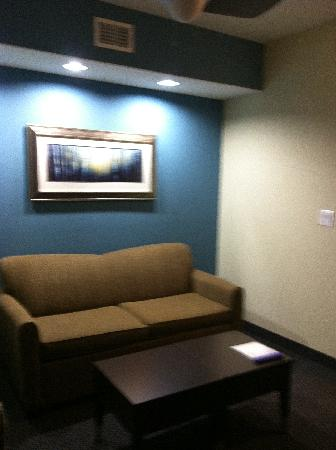 SpringHill Suites Waco Woodway: Living area