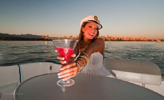 Shipfaced Boat Tours: Drinks