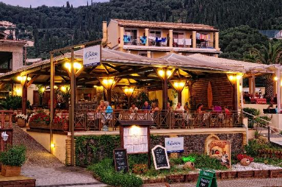Agios Gordios, Grecia: THALASSA  PIZZA - RESTAURANT - BAR