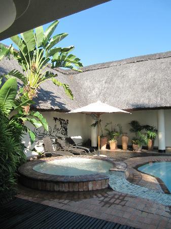 Ilala Lodge Hotel: Pool