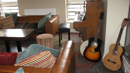 Kinlay Hostel Galway: Some really excellent music played here sometimes.
