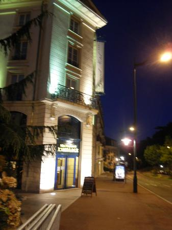 Plessis Grand Hotel: outside hotel